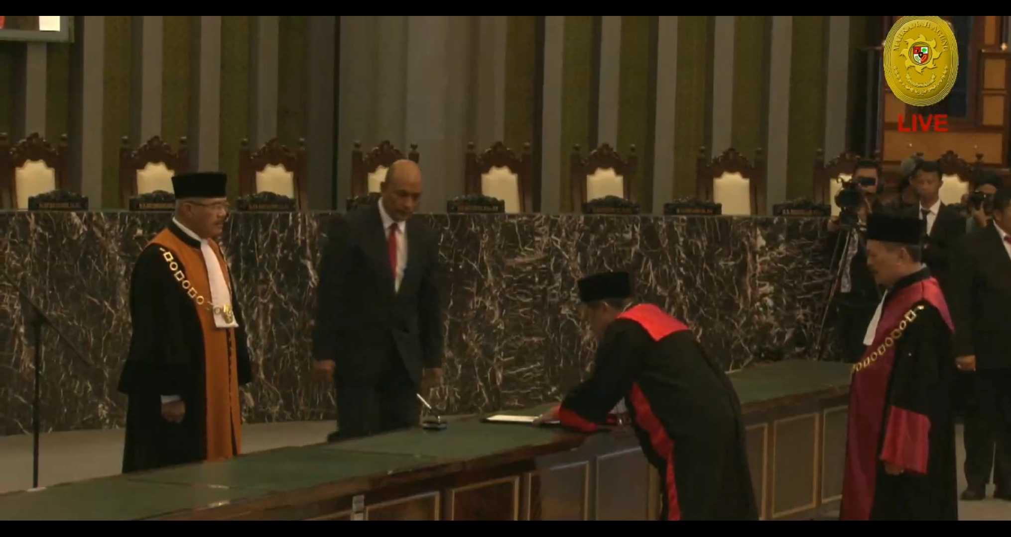 Pelantikan Ketua Pengadilan Tinggi Manado oleh Ketua Mahkamah Agung RI