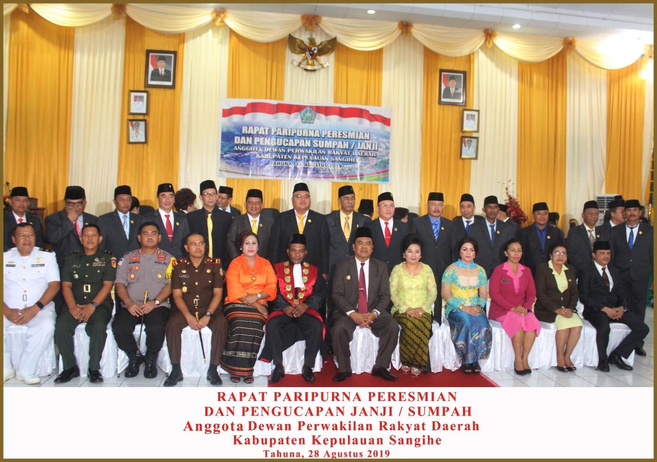 Pengucapan Janji/ Sumpah Anggota DPRD Kab. Kepl. Sangihe Tahun 2019
