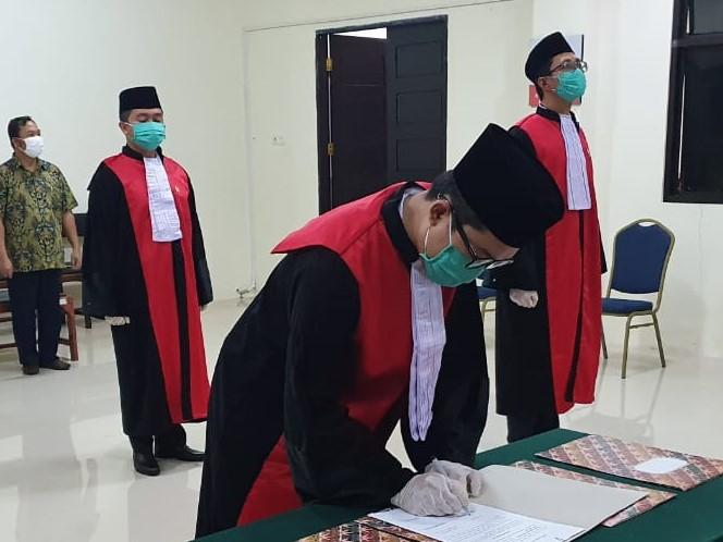 Pelantikan Jabatan Hakim Pengadilan Negeri Tahuna oleh Ketua Pengadilan Negeri Tahuna Tahun 2020