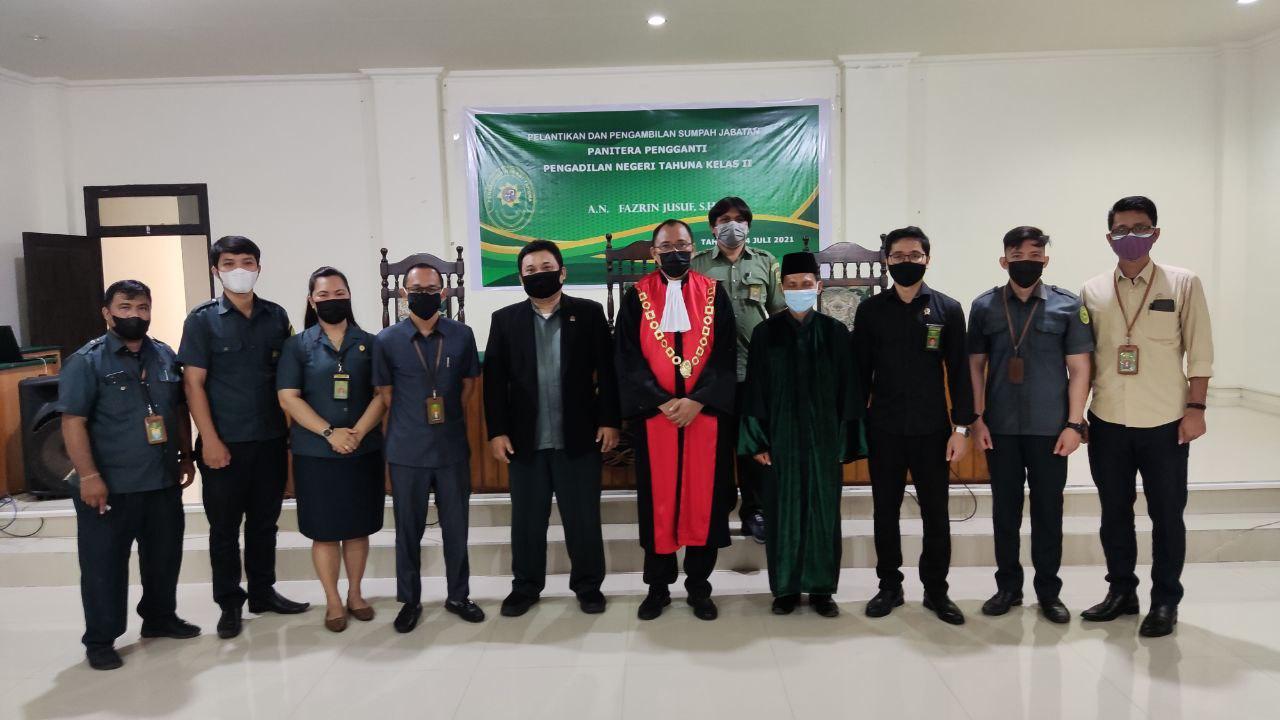 Pelantikan dan Pengambilan Sumpah Jabatan Panitera Pengganti PN Tahuna Fazrin Jusuf, S.H.